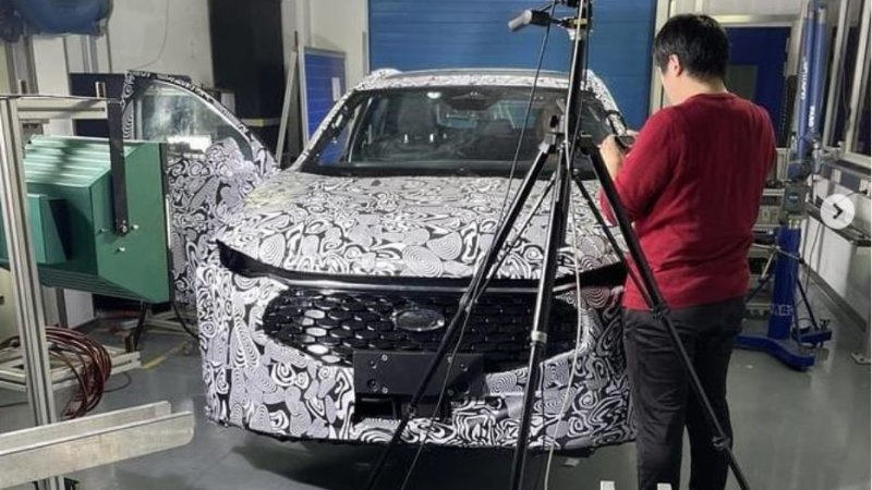 Ford crossover leaks like new wagon in social media spy photos